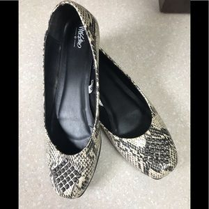 Mossimo faux snake skin flats with studs
